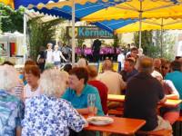 Besucher beim Stettener Straßenfest