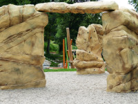 Die Boulderfelsen beim neuen Spielplatz im Tal