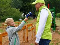 Kinderreporter Felix interviewt Bürgermeister Stefan Altenberger zur  Herzoglichen Kugelbahn