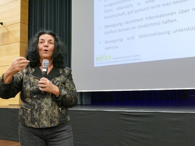 Frau Dr. Zimmer bei ihrem mitreißenden Vortrag