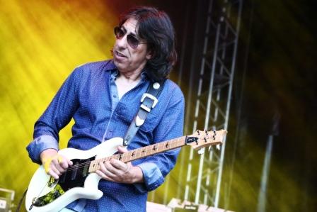 Siggi Schwarz an der Gitarre