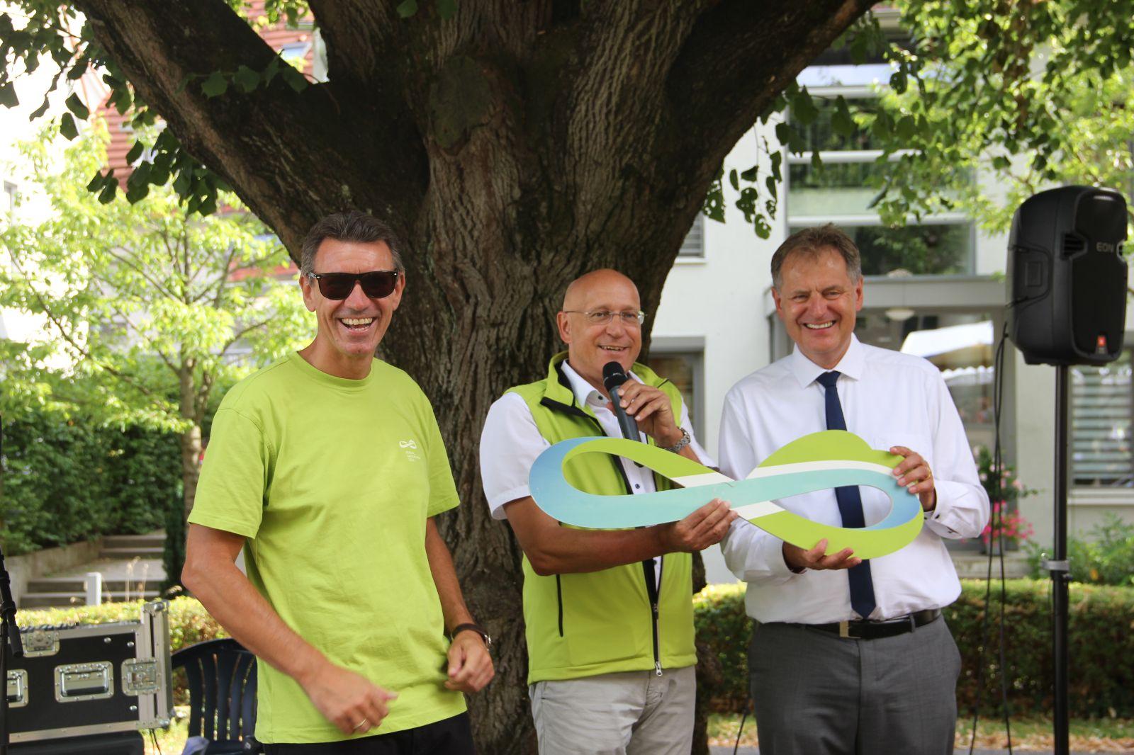 Stabübergabe von Bürgermeister Altenberger an den Gmünder OB Richard Arnold