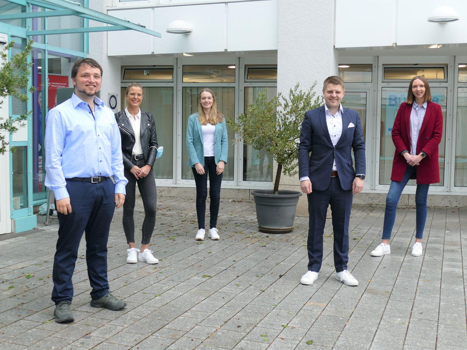 Simon Widmann, Marina Fischer, Daniela Seibold, Bürgermeister Paulowitsch und Andrea Kazik.